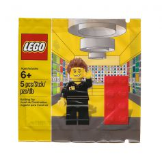 LEGO Store Employee - 5001622